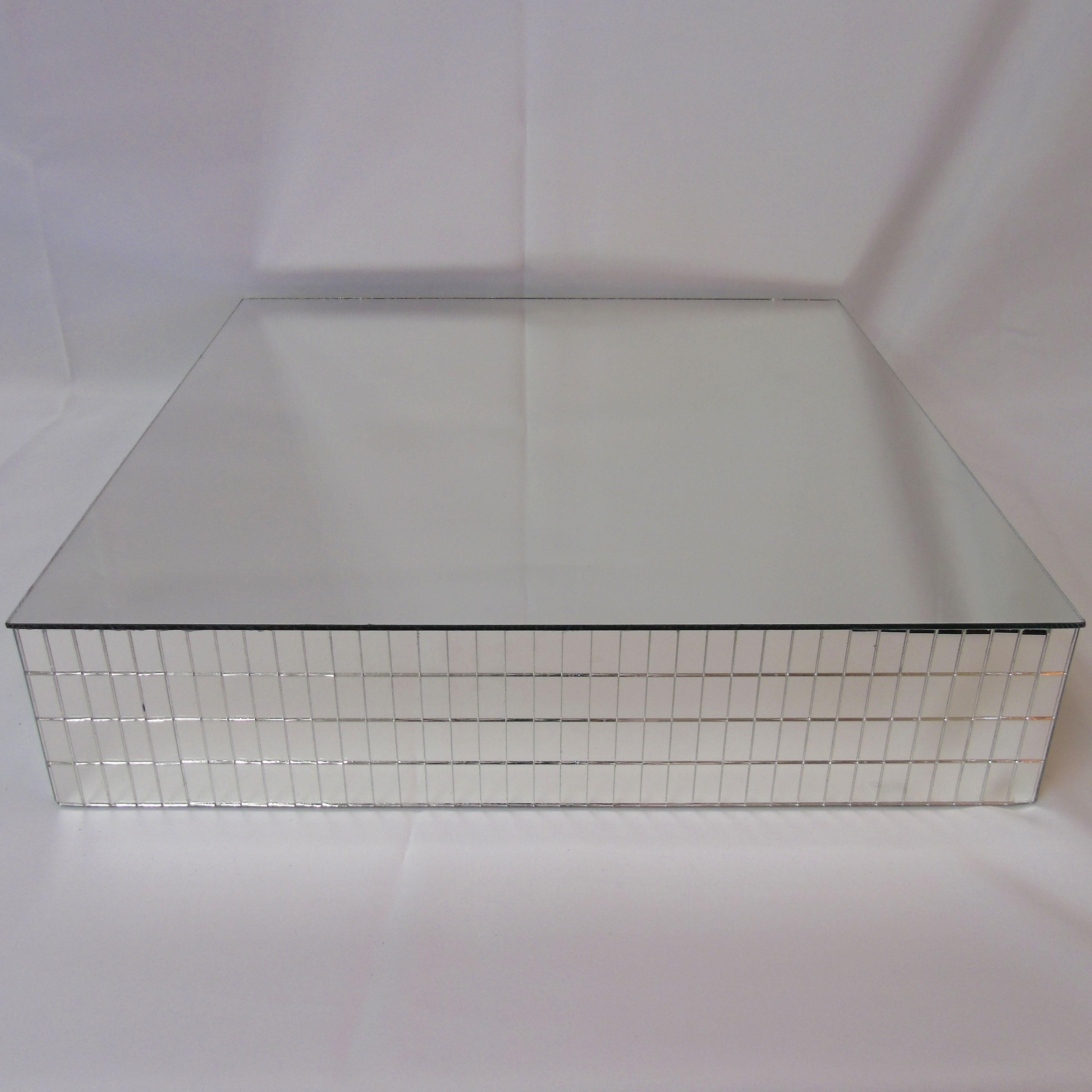 Square-Mirrored-Cake-Riser-22in